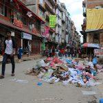 ネパールはどこにでもごみを捨てる