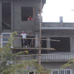 転落事故の危険-ネパールで建設作業はしたくない